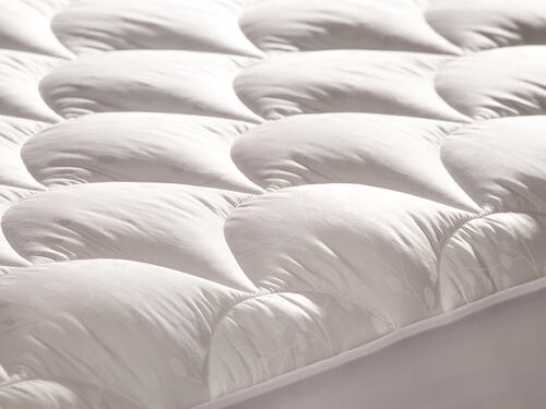 Denver Mattress Ultra Plush Narrow King Mattress Pad Image 1