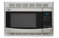 High Pointe 900W 1.0 Cu. Ft. Stainless Steel Microwave Oven with Turntable Image 1