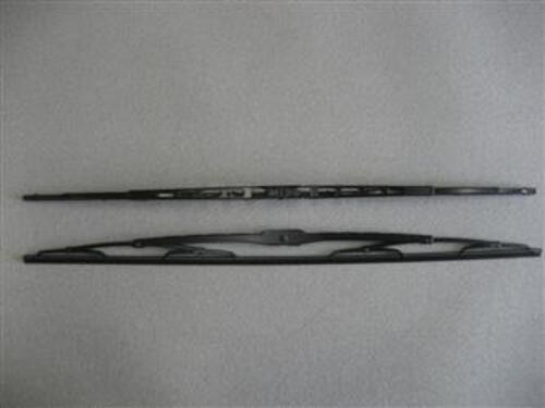32 J-Hook Wiper Blade Assembly Image 1