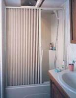 RV FOLDING SHOWER DOOR - PLEATED - 36 X 67IN - WHITE