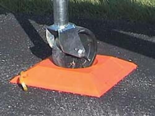 trailer wheel dock
