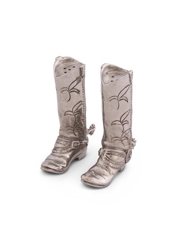 boot salt & pepper shakers