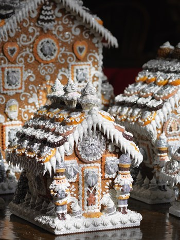 frost white gingerbread house