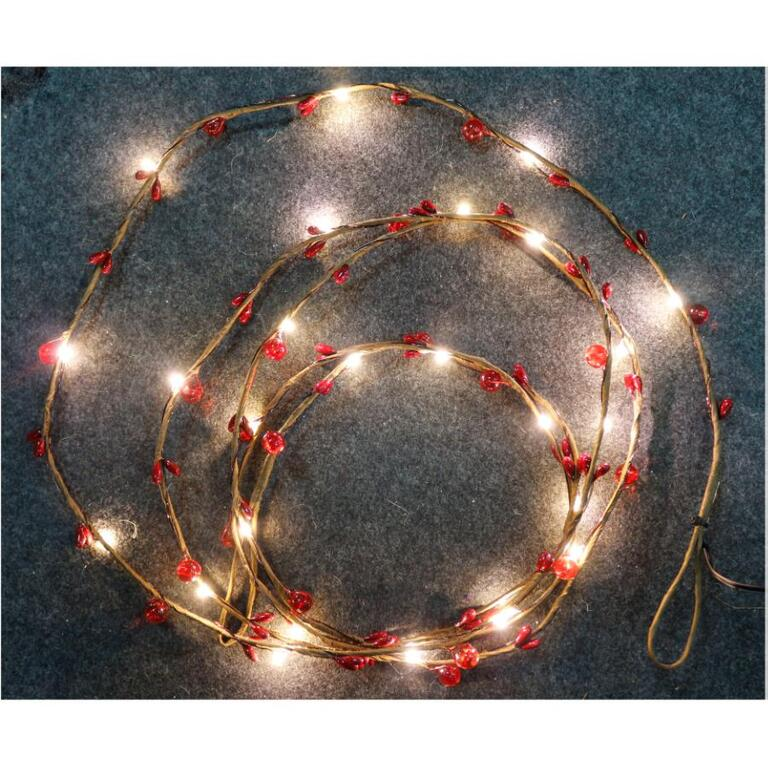 Sylvania 9 Battery Operated Red Berry Garland With 27 Led