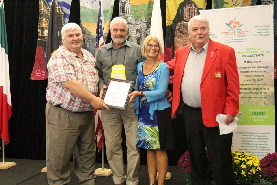 Home Hardware Honours Communities in Bloom Recipients with Outstanding Achievement Awards